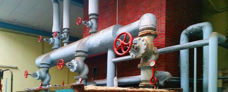 Brennarbeiten und Demontagen Heizkesselanlage. Fachgerechte Demontagen von zahlreichen Stahlbehältern, Stahlrohrkonstruktionen, Rohrbrücken, Rohrleitungen, Stahlrohren, Stahlkonstruktionen